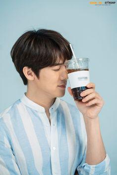Yoo Yeon Seok, Won Ho, Winter Garden, Korean Actors, Doctor Who, Drama, My Favorite Things, Chinese, Stars