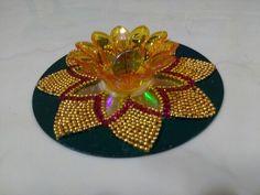 Cd decoration design to keep diya in diwali Thali Decoration Ideas, Diy Diwali Decorations, Festival Decorations, Diya Rangoli, Diwali Diya, Cd Crafts, Arts And Crafts, Waste Material Craft Work, Acrylic Rangoli
