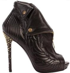 Alexander McQueen - one of my favorite shoes :)