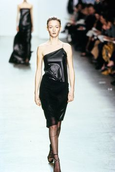 Calvin Klein Collection Fall 1999 Ready-to-Wear Collection Photos - Vogue