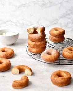 Pączki pieczone - Justyna Dragan Kiwi, Doughnut, Pancakes, Muffin, Oreo, Meals, Breakfast, Food, Brioche