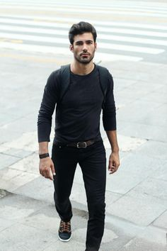 Nice casual style all in black