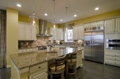 Cook and entertain in this spacious pro-style kitchen #Pulte by delia