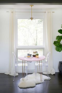 Mix and Match to Create a Custom Table! - A Beautiful Mess Table And Chairs, Dining Table, Diy Table, Nook Table, High Chairs, Desk Chairs, Table Legs, Dining Rooms, Dining Area