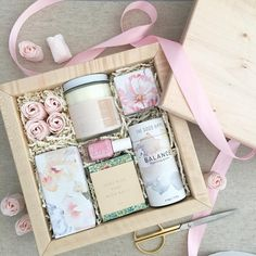 415 отметок «Нравится», 18 комментариев — Teak & Twine (@teakandtwine) в Instagram: «Loved being gifting elves for the awesome team @ashleynicoleevents! They asked for feminine with a…»