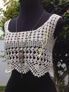 Pretta Crochet: Cropped de crochet Bikinis Crochet, Crochet Skirts, Crochet Bikini Top, Crochet Blouse, Crochet Clothes, Crochet Woman, Love Crochet, Diy Crochet, Crochet Top