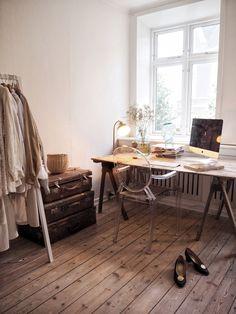 Here is my office space (Isabella Thordsen) Room Interior Design, Interior Decorating, Interior Inspiration, Room Inspiration, Home Office, Natural Bedroom, Isabella Thordsen, Home Decor Styles, My Room