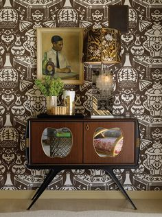 From Jeffers Design Group , a vignette with one of our favorite wallpapers, David Hicks The Vase by Clarence House. Mid-century Modern, Modern Design, Clarence House, Interior Decorating, Interior Design, Retro Decorating, Chinoiserie Chic, Brown Walls, Eclectic Decor