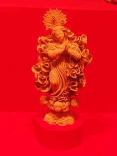 en la exposición se vio claramente   el protagonismo religioso en sus obras  mexico se destaca por  la virgen de guadalupe y la fe en ella  es fuerte