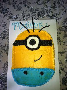 Minion rectangle cake