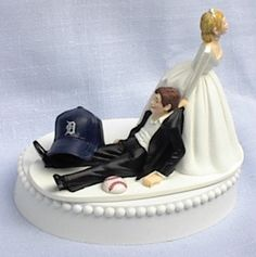 Oh, this has to be Nik's wedding cake...Cynthia Alvado...you have to practice on this!!!