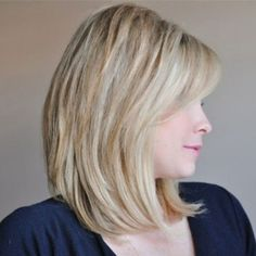 The Clavicut - side view Chic Hairstyles, Older Women Hairstyles, Straight Hairstyles, Gorgeous Hairstyles, Blond Hair With Lowlights, Clavicut, Medium Hair Styles, Short Hair Styles, Wispy Hair