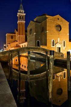 Novíssimo: http://globolivros.globo.com/livros/lonely-planet-veneza-e-o-veneto | Chioggia, Veneto, Italy