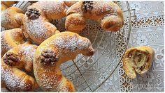 SVATOMARTINSKÉ ROHLÍČKY S MÁKEM NEBO OŘECHY French Toast, Muffin, Menu, Bread, Breakfast, Food, Menu Board Design, Morning Coffee, Eten