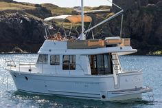 Swift Trawler 34 | Naos Yacht Sales  Love these!