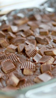 Easiest fudge of all time! All you need is 3 ingredients and 10 minutes. Stop the madness!