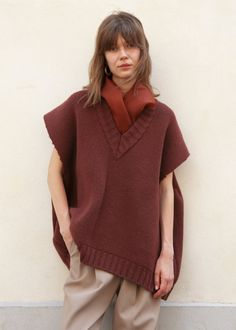 Brick Sleeveless Sweater with Silk Scarf by Ter et Bantine – The Frankie Shop Knit Vest, Sweater Vests, Sweaters, Mode Editorials, Knitwear Fashion, Fashion Blouses, Knit Fashion, Emo Fashion, Outfits