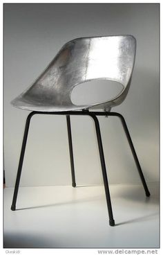 Tulipe aluminium Design 1950 Pierre Guariche pour Steiner Tulip chair 1954