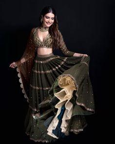 Indian Bridal Fashion, Indian Fashion Dresses, Indian Wedding Outfits, Indian Designer Outfits, Indian Outfits, Ethnic Outfits, Indian Weddings, Designer Dresses, Wedding Dresses