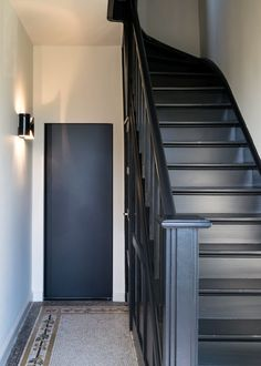 Painted Staircases, Black Interior Doors, Black Doors, Staircase Makeover, Basement House, Romantic Homes, Entry Foyer, Painted Doors, Stairways