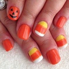 27 Delightfully Spooky Ideas For Halloween Nail Art Candy corn accents. Cute Halloween Nails, Halloween Nail Designs, Cute Nail Designs, Spooky Halloween, Halloween Ideas, Happy Halloween, Women Halloween, Fall Toe Nail Designs, Halloween Nail Colors