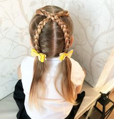 "227 curtidas, 28 comentários - Leanne ❤️ (@3_little_girls_hair_) no Instagram: ""A style I've seen on @tinkerbeanpoplettes_hairdesign account , super cute and I love doing it in…"""