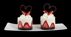 Torta di Fragole e Crema Soffice di Yogurt-Yogurt Mousse Cake with Strawberries