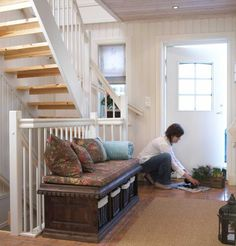 Mal den gamle trappen, den blir som ny for – Happy Homes Norge Discovery, Bench, Loft, Storage, Apps, Homes, Furniture, Home Decor, Purse Storage