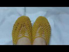 울산댁의 코바늘 여름덧신 ㅡ1 / 울산댁 - YouTube Crochet Videos, Socks, Sewing, Decor, Tips, Youtube, Towel Crafts, Slippers, Toe Shoes