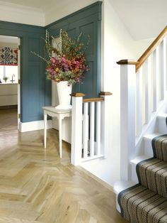Richmond, 1930's Refurbishment: Eclectic Corridor, hallway & stairs by Amory Brown Ltd