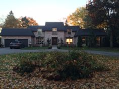Mansard roof with Enviroshake® Inc. in Orillia, Ontario