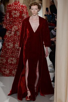 Valentino - Spring 2015 Couture - Look 28 of 48 Couture 2015, Couture Fashion, Runway Fashion, Couture Style, Fashion Advice, Fashion News, Fashion Show, Fashion Design, Valentino Couture