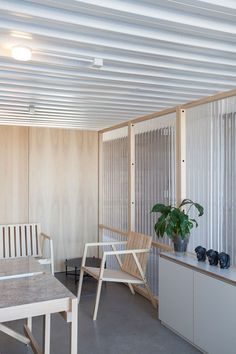 """dezeen: """" Argentinian studio It Met used corrugated plastic and sheets of wood to partition the workspaces of this advertising agency in Buenos Aires Workspace Design, Office Interior Design, Office Interiors, Architecture Panel, Interior Architecture, Corrugated Plastic Sheets, Workspace Inspiration, Design Inspiration, New Homes"""