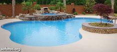 Linda piscina de vinil com cascata