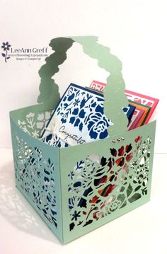I promised you a tutorial on how I made this box; I chose to use Mint Macaron card stock for this as it seems to go with everything. I need to give credit to Barbara Johnson for the o Tarjetas Stampin Up, Stampin Up Cards, Scrapbooking, Craft Bags, Stamping Up, Folded Cards, Homemade Cards, Making Ideas, Barbara Johnson