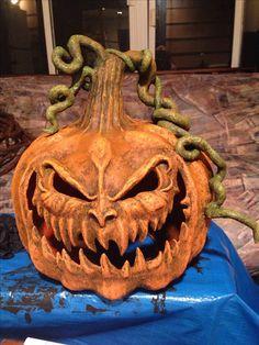 Kim polk papier-mâché pumpkin started with garbage bag. Outdoor Halloween, Creepy Halloween, Holidays Halloween, Halloween Pumpkins, Happy Halloween, Halloween Party, Halloween Projects, Diy Halloween Decorations, Samhain