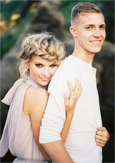 Beach engagement session that is unbelievably gorgeous. Beach Engagement Photos, Engagement Shots, Engagement Outfits, Engagement Couple, Wedding Engagement, Engagement Ideas, Engagement Photo Makeup, Country Engagement, Wedding Hair