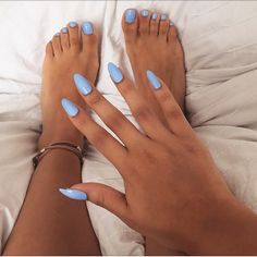 @sincerely_mels in nail polish colour 'Bikini so teeny' by Essie #vegas_nay
