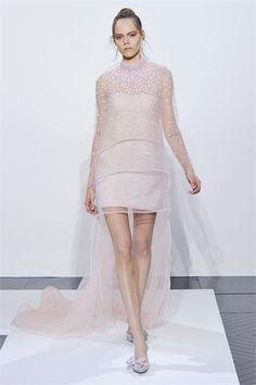 Sfilata Valentino Parigi - Alta Moda Autunno Inverno 2010/2011 - Vogue