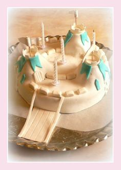 G teau chateau fort anniversaire chevalier d coration for Decoration gateau nouvel an