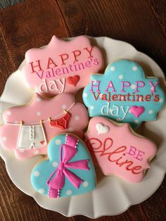 New Ideas Baby Shower Cookies Tutorial Valentines Day Valentine's Day Sugar Cookies, Fancy Cookies, Iced Cookies, Cute Cookies, Cookies Et Biscuits, Cupcake Cookies, Heart Cookies, Iced Biscuits, Cookie Favors