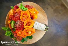 fall color scheme wedding, stunning bridal bouquet.