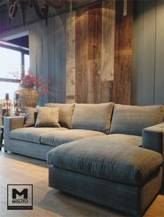 Bank Levi bij Molitli Interieurmakers I wish they sold this couch by me! Looks ridiculously comfortable! Love it!