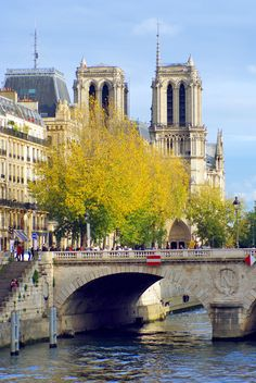 I love Paris in Autumn! #Paris #VisitParis #ParisinAutumn #ILoveParis