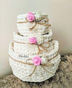 Fast Crochet, Diy Crochet, Crochet Crafts, Crochet Projects, Crochet Decoration, Crochet Home Decor, Crochet Motifs, Crochet Basket Pattern, Knitting
