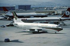 A40-BI B.737-2P6 Gulf Air