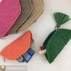 The most beautiful Crochet basket and straw models Crochet Diy, Love Crochet, Beautiful Crochet, Crochet Crafts, Crochet Projects, Crochet Wallet, Crochet Coin Purse, Crochet Purses, Crochet Needles