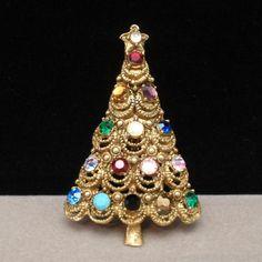 Hollycraft Christmas Tree Pin