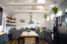 Our Best Kitchen Island Design & Remodel Photo Ideas   Apartment Therapy