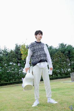 Jin, Mingyu, Hot Boys, White Jeans, Rapper, Kpop, Pants, Wallpaper, Fashion
